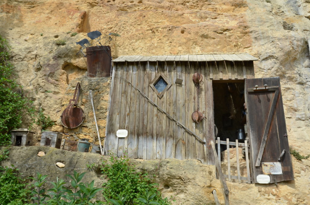 A wooden shack in the cave, from the last people living here in the seventies of the 20th century.