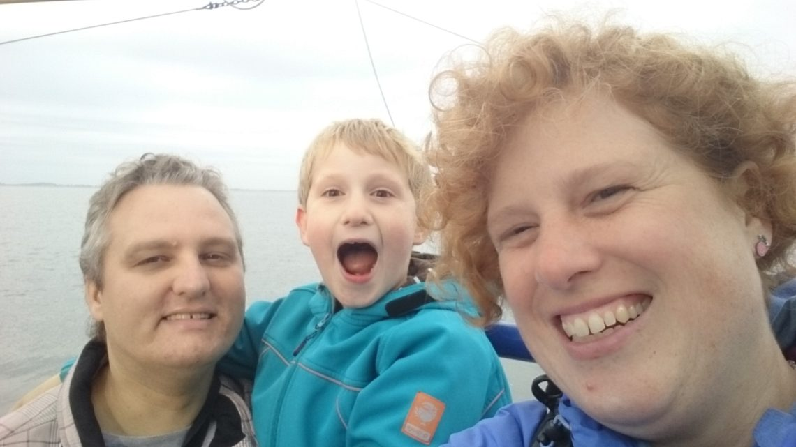 Paul, Yuri and Cosette. A family picture on a shrimp boat. To visualise About us