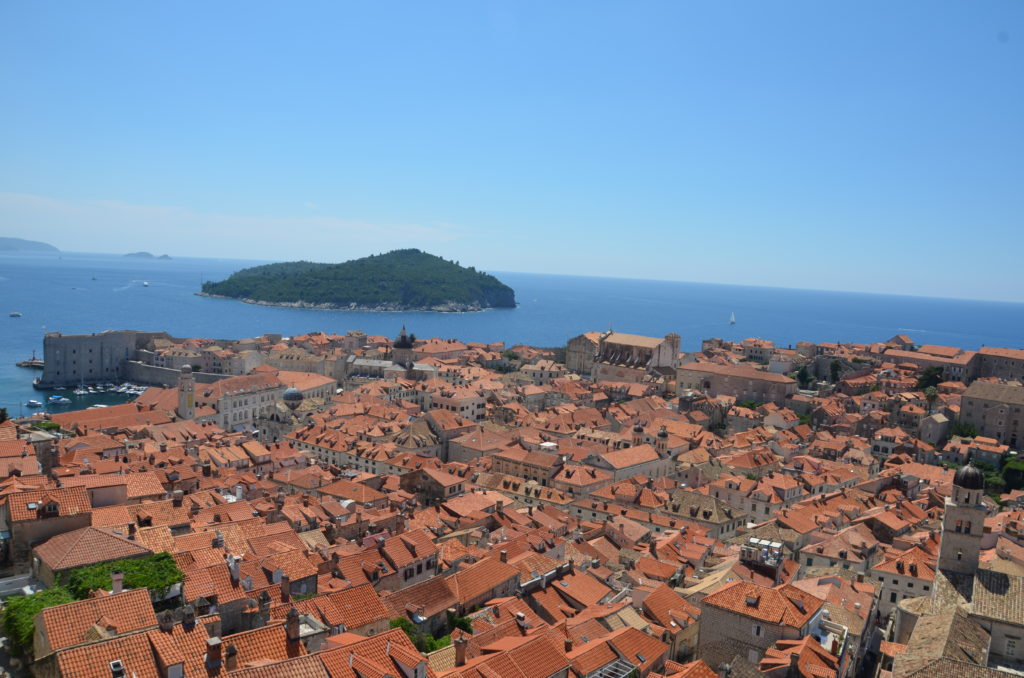 To show Dubrovnik from up higher