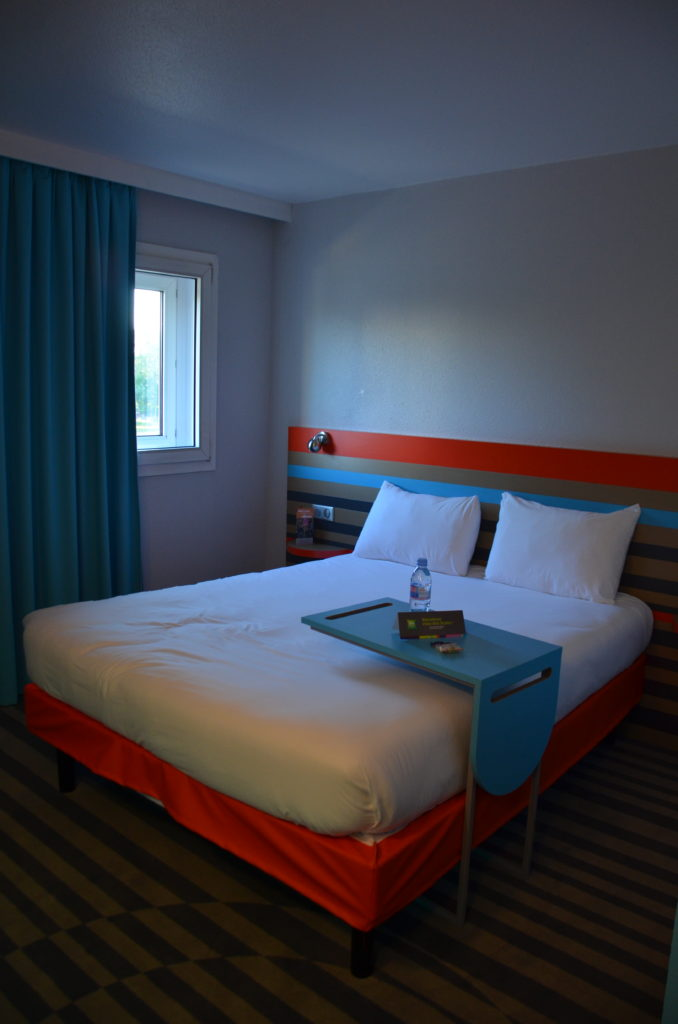 To show our room at Inis Style hotel in Paris. Stopover hotels South