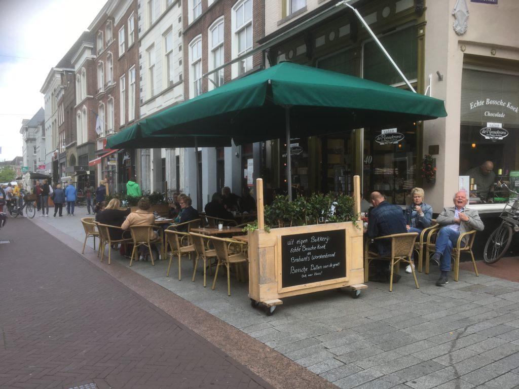 To show the terrace of Salon de Roosekrans. Eat in Den Bosch