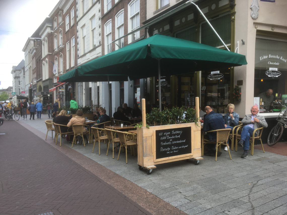 To show the terrace of Salon de Roosekrans. Eat in Den Bosch