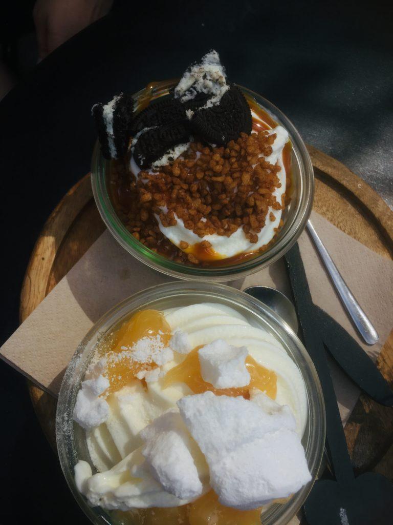 To show 2 different yoghurt specials. Eat in Den Bosch
