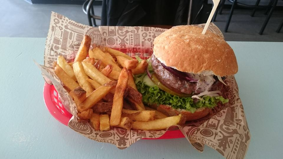 To show one of the burgers from Meneer Smakers