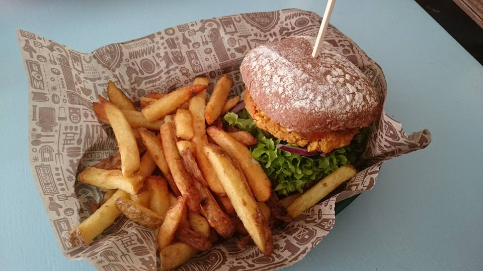 To show one of the burgers from Meneer Smakers. Eat in Utrecht
