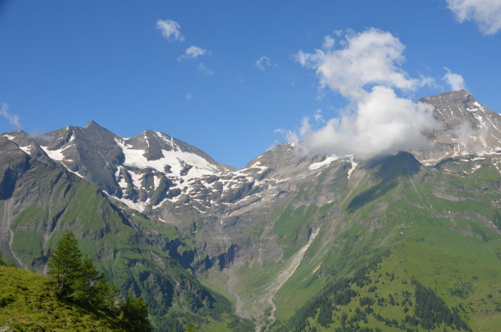To show The beautiful mountains of the Grossglockner alpenstrasse. Week in Austria