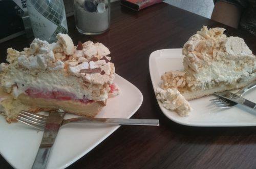 To show the Strawberry and Gooseberry cake
