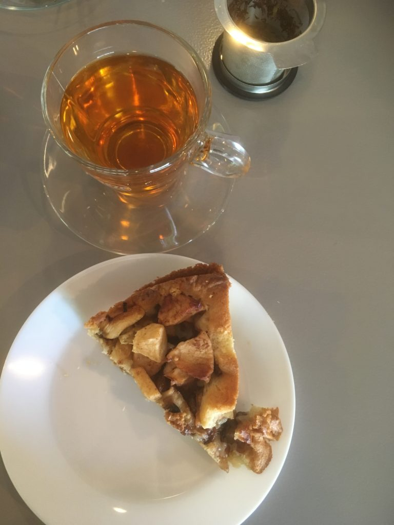 To show the applepie and tea at Lunetwerkcafe
