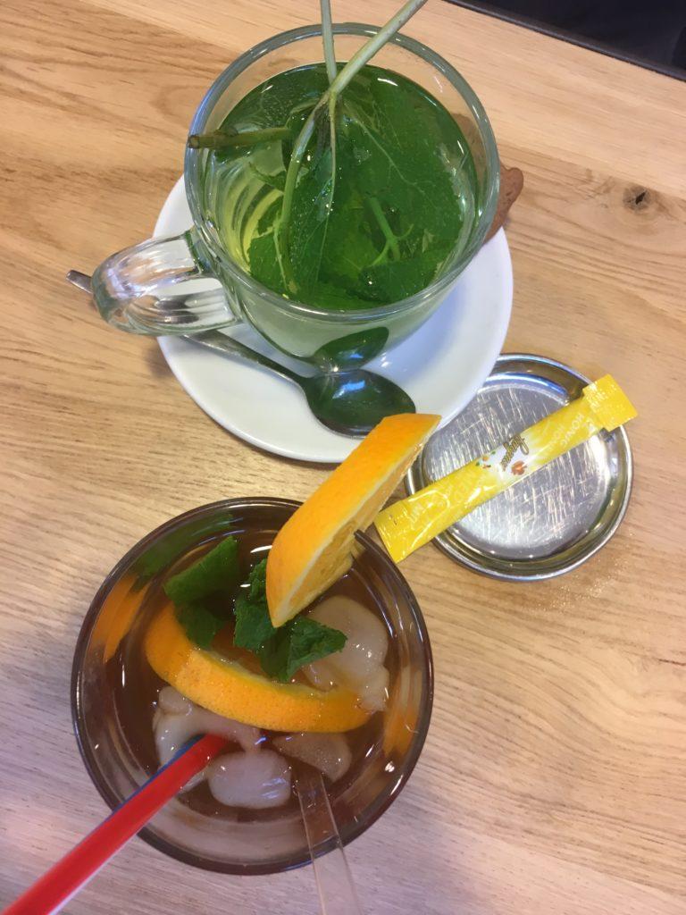 To show Mint tea and Ice Tea from Bond en Smolders