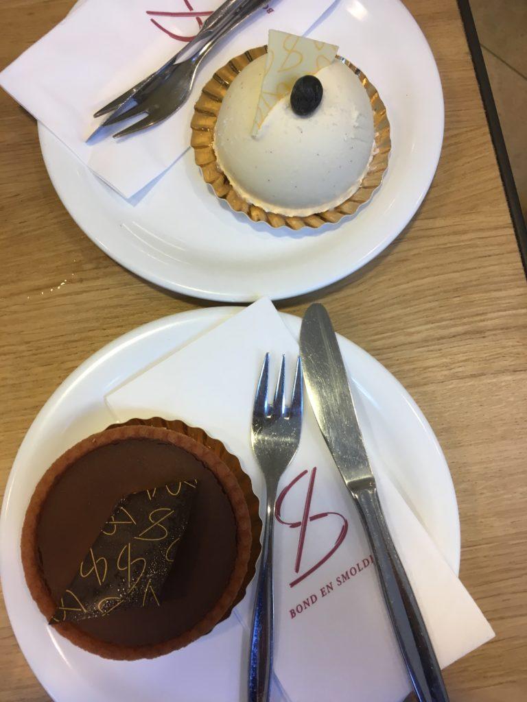 To show the cakes from Bond en Smolders. Eat in Utrecht