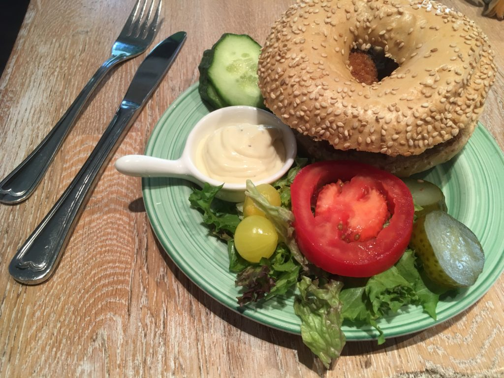 To show the Mushroomcroquettes bagel from Bagels & Beans. Eat in Utrecht