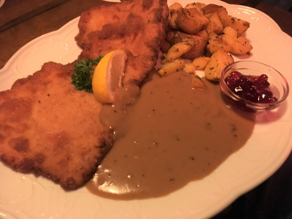 To show the Schnitzel with peppersauce at Kartoffel.