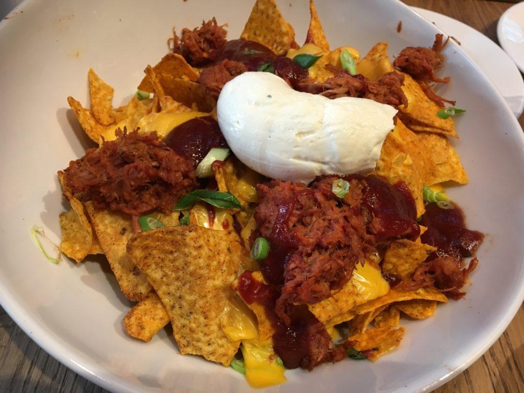 To show the pulled prok nachos from De Beren. Eat in Utrecht