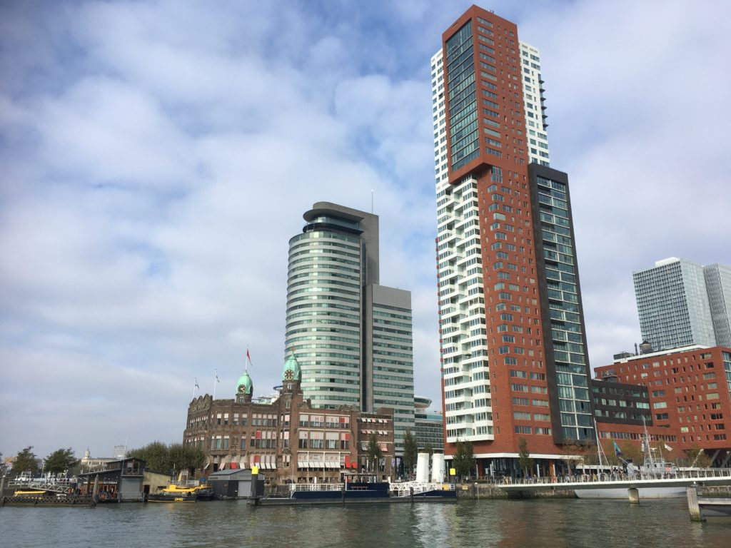 To show the Rotterdam skyline. Best cities for shopping