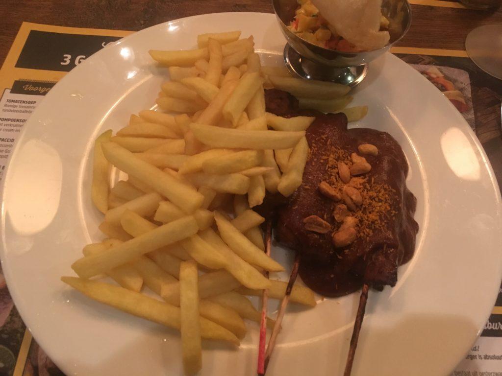 To show the satay at De Beren. Eat in Utrecht