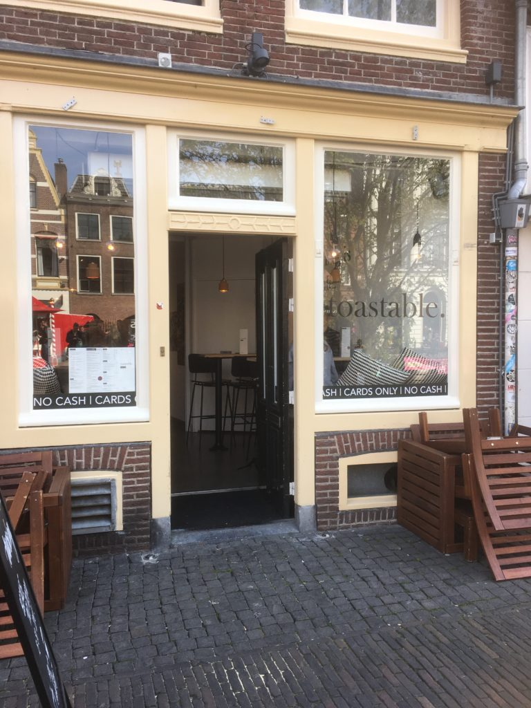 To show The entrance to Toastable. Eat in Utrecht