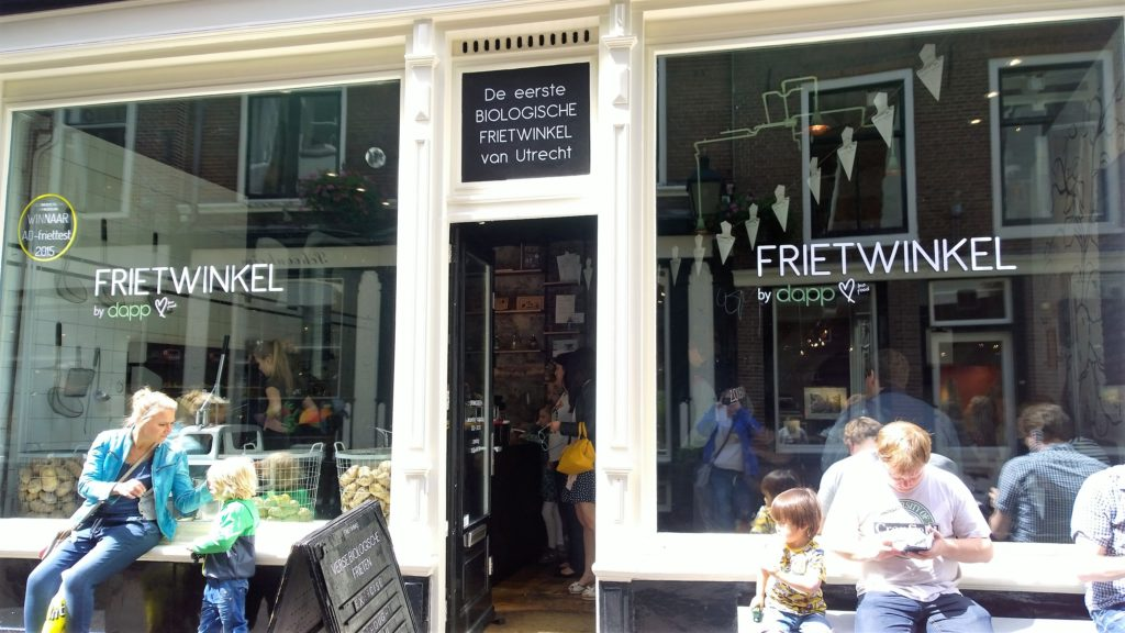 To show the entrance to Dapp frietwinkel