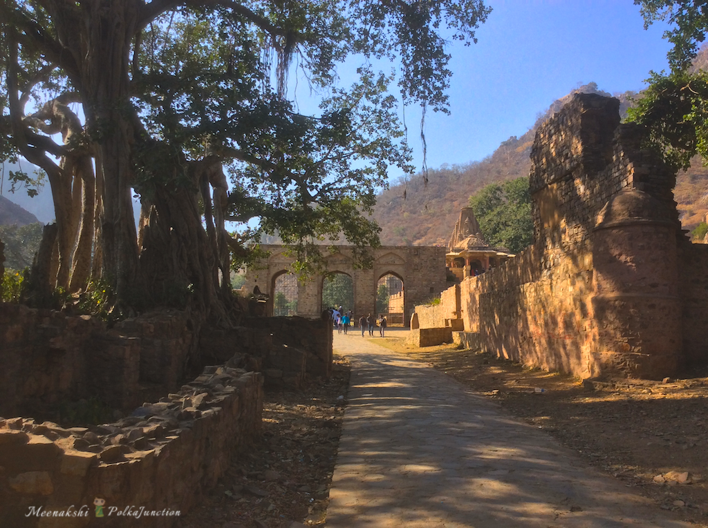 Bhangarh fort by Meenakshi