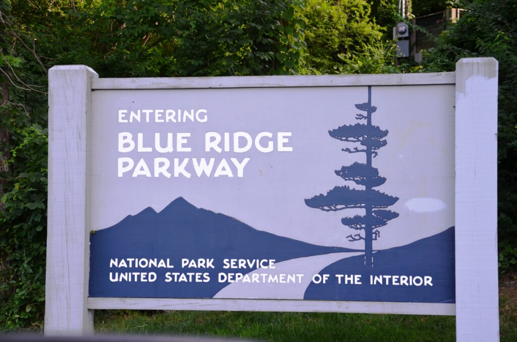 The sign when entering the parkway