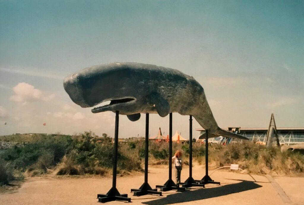 Whale statue ta Neeltje Jans