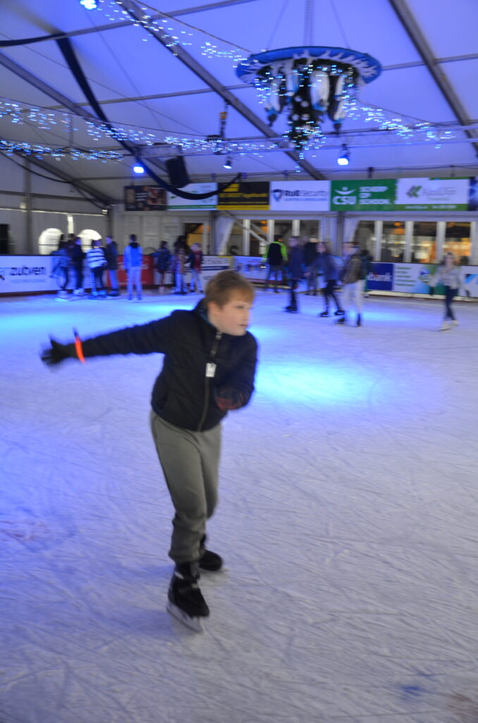 Yuri ice skating at Uden on Ice