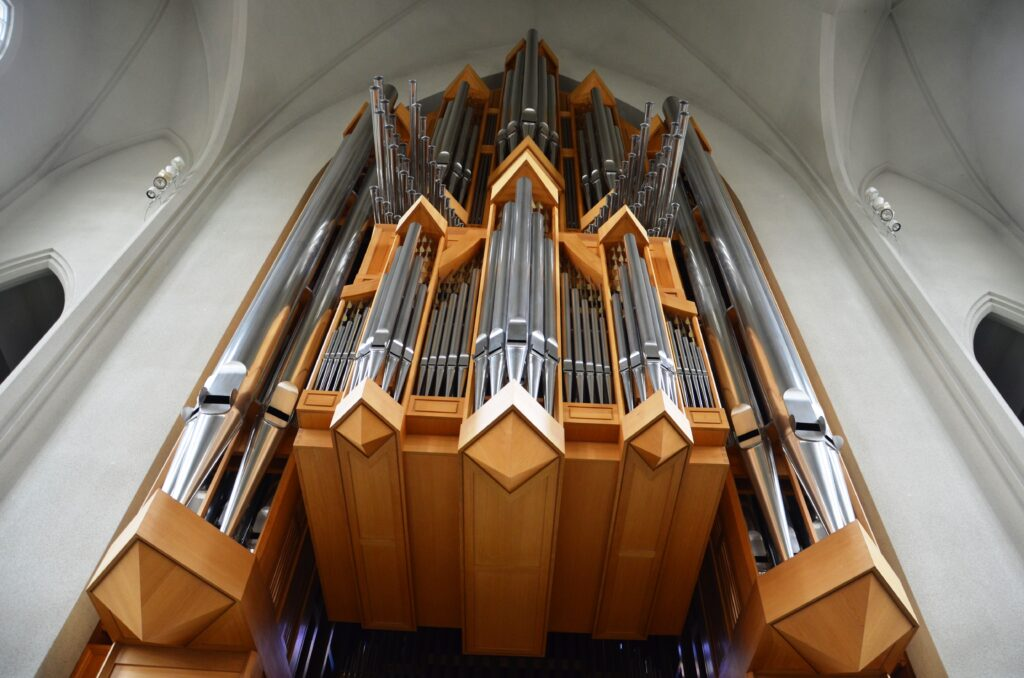 The organ, as seen from below. Standing under it, looking up