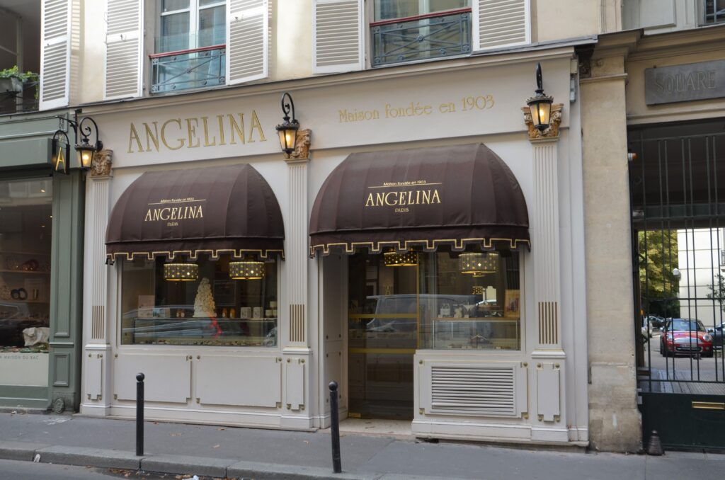 Angelina Paris from the outside
