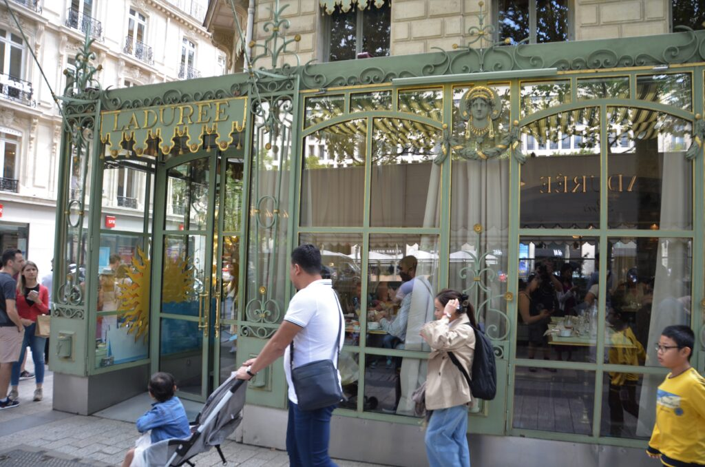 Laduree the tea room