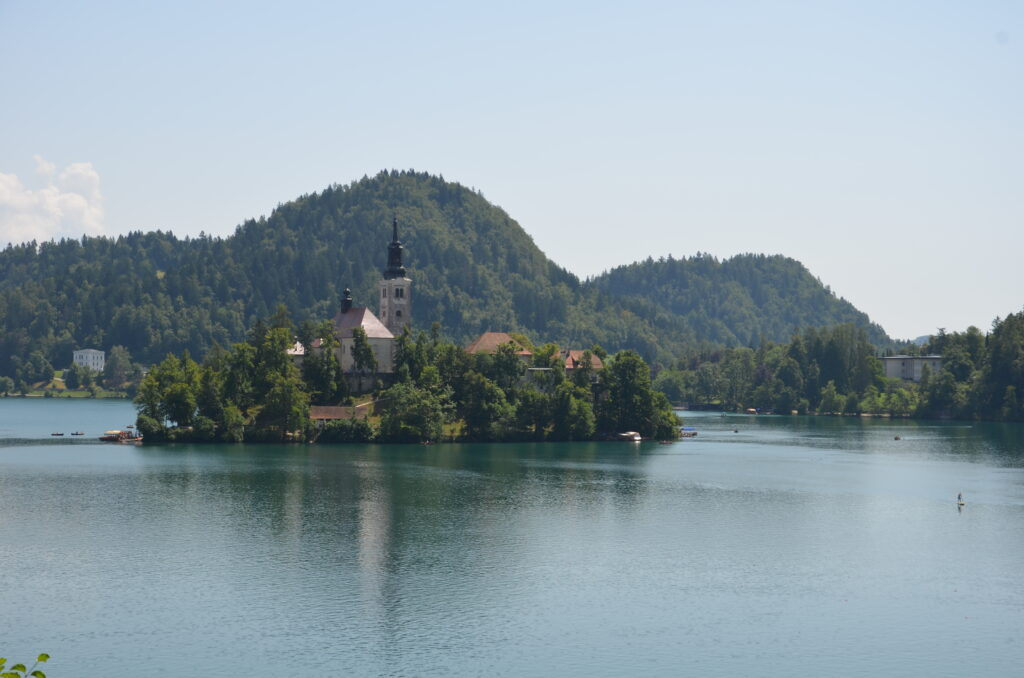 Lake Bled with the island zoomed in that's in the middle