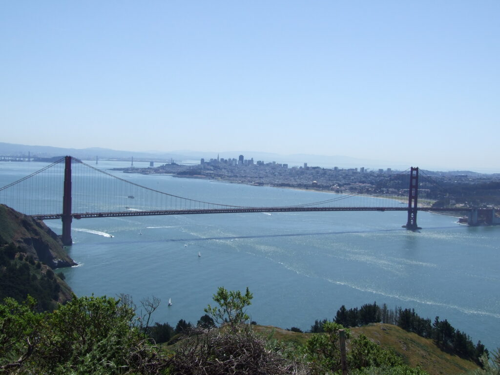 The Golden Gate Bridge without fog, seen from a higher view point
