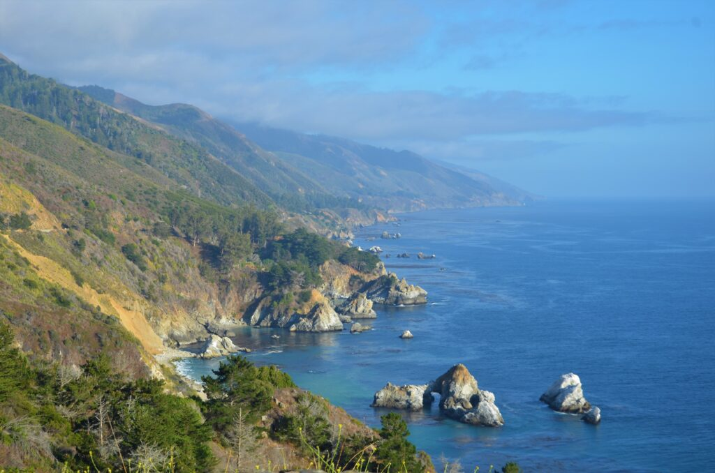 Big Sur, a view on the ocean and the rugged coast, driving from Orlando to San Francisco