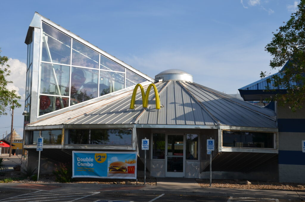 McDonalds at Roswell, from the outside the building
