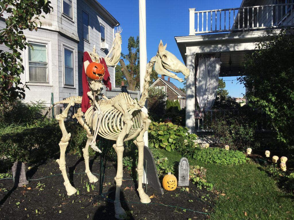 Salem by Book Retreats, Halloween decorations in a garden